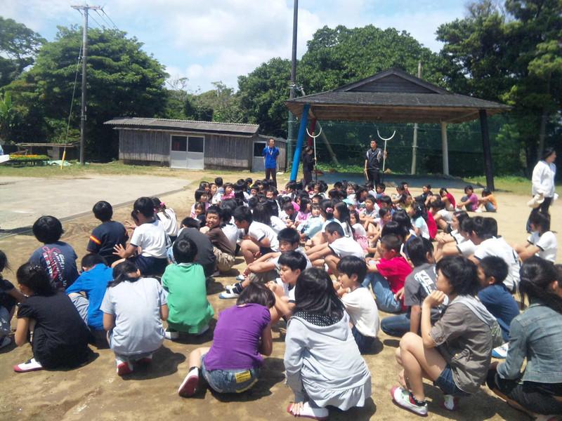不審者対応避難訓練 学校内に不審者が侵入したという想定で、避難訓練を行いました。 どの避難...
